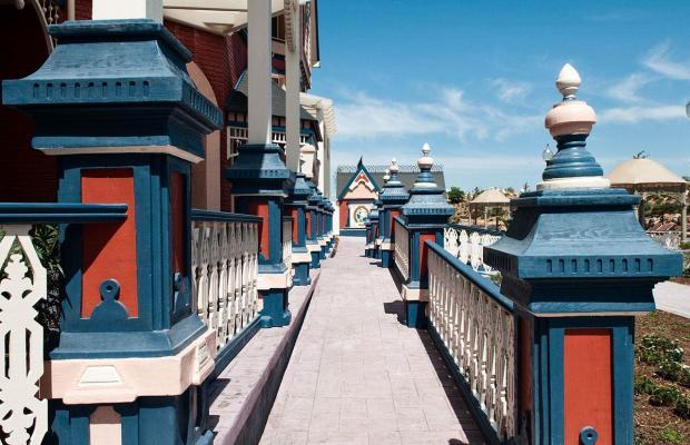 фотографии PortAventura Lucy`s Mansion изображение №4