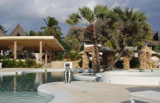 фото отеля Kola Beach Resort изображение №1