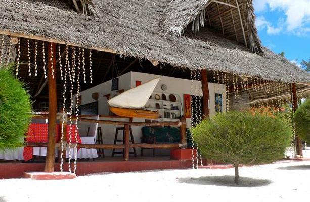 фотографии отеля Uroa White Villa изображение №7