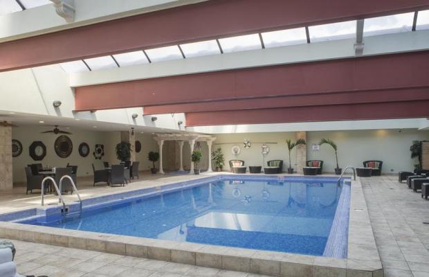 фото Aurola Holiday Inn изображение №6