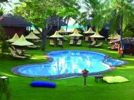 Co Co Beach Resort, 3*