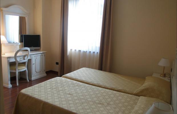 фотографии International Hotel изображение №12