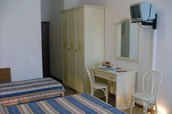 фотографии Hotel Airone изображение №12