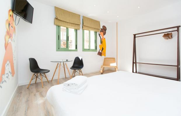 фото отеля AinB Las Ramblas Colon Apartments изображение №13
