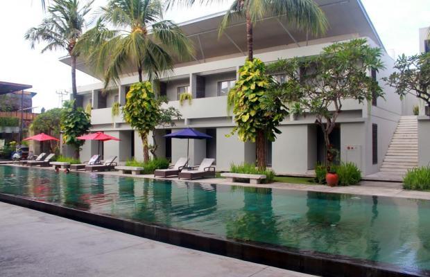 фото отеля The Oasis Kuta изображение №1