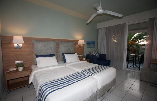 фотографии отеля Acharavi Beach Hotel изображение №3