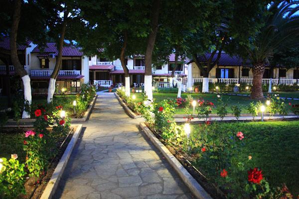 фото отеля Bungalows The Roses изображение №9