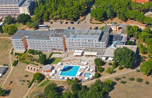 фото отеля Holiday изображение №1