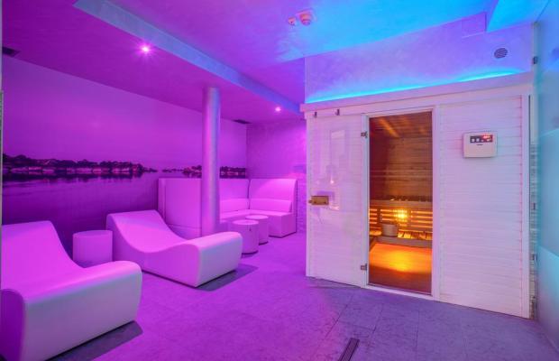 фото отеля Ferretti Beach изображение №5