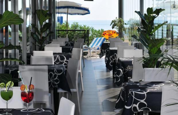 фото Hotel Adlon изображение №2