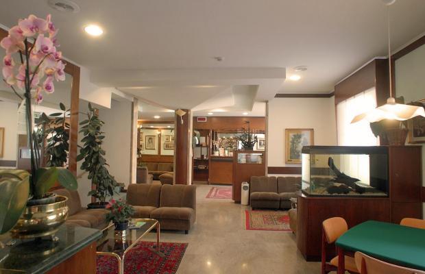 фотографии отеля Hotel Milton Iris изображение №3