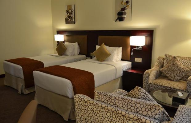 фото Summit Hotel (ex. Hallmark Hotel; Commodore; Le Baron) изображение №6