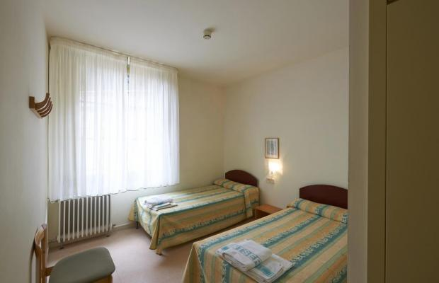 фото Apartamentos Montserrat Abat Marcet изображение №14