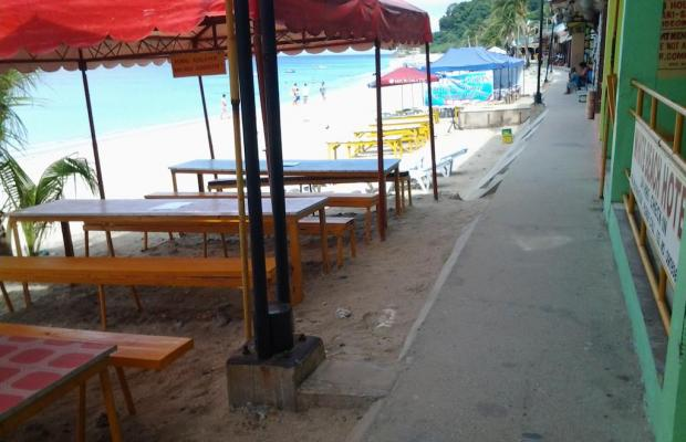 фото White Beach Hotel Bar and Restaurant изображение №14