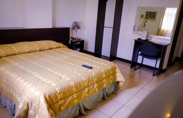 фото Crowne Garden Hotel изображение №10