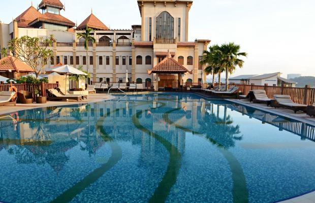 фото отеля Pullman Putrajaya Lakeside изображение №1