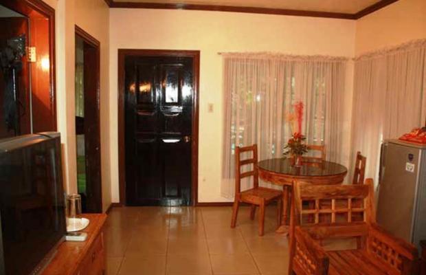 фото отеля Alona Tropical Beach Resort изображение №17
