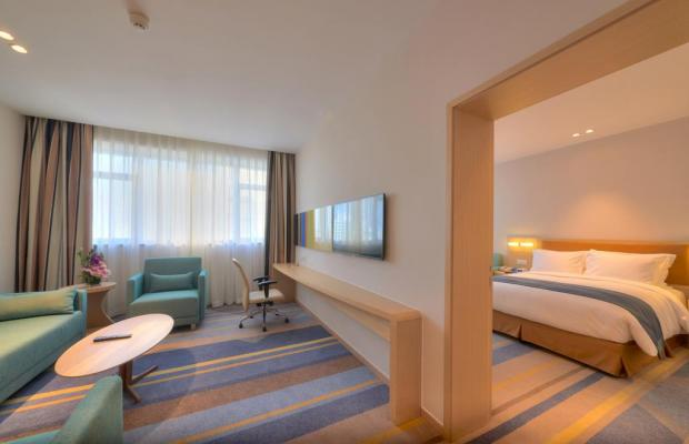 фото Holiday Inn Express Shanghai Zhenping (ex. Shanghai Eastern Airline) изображение №10