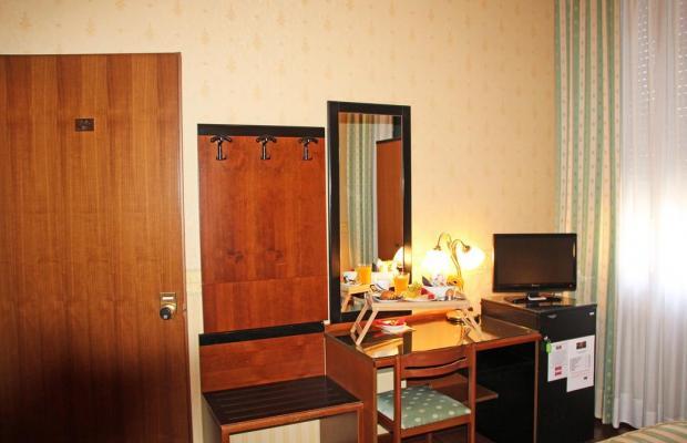 фотографии отеля Albergo Leon D'oro изображение №11