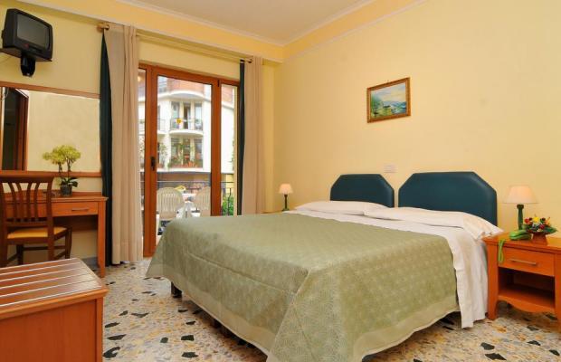 фотографии отеля Tourist изображение №23