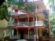 Mama Mids Home (ex. White Pearl Homes), Гостевой дом